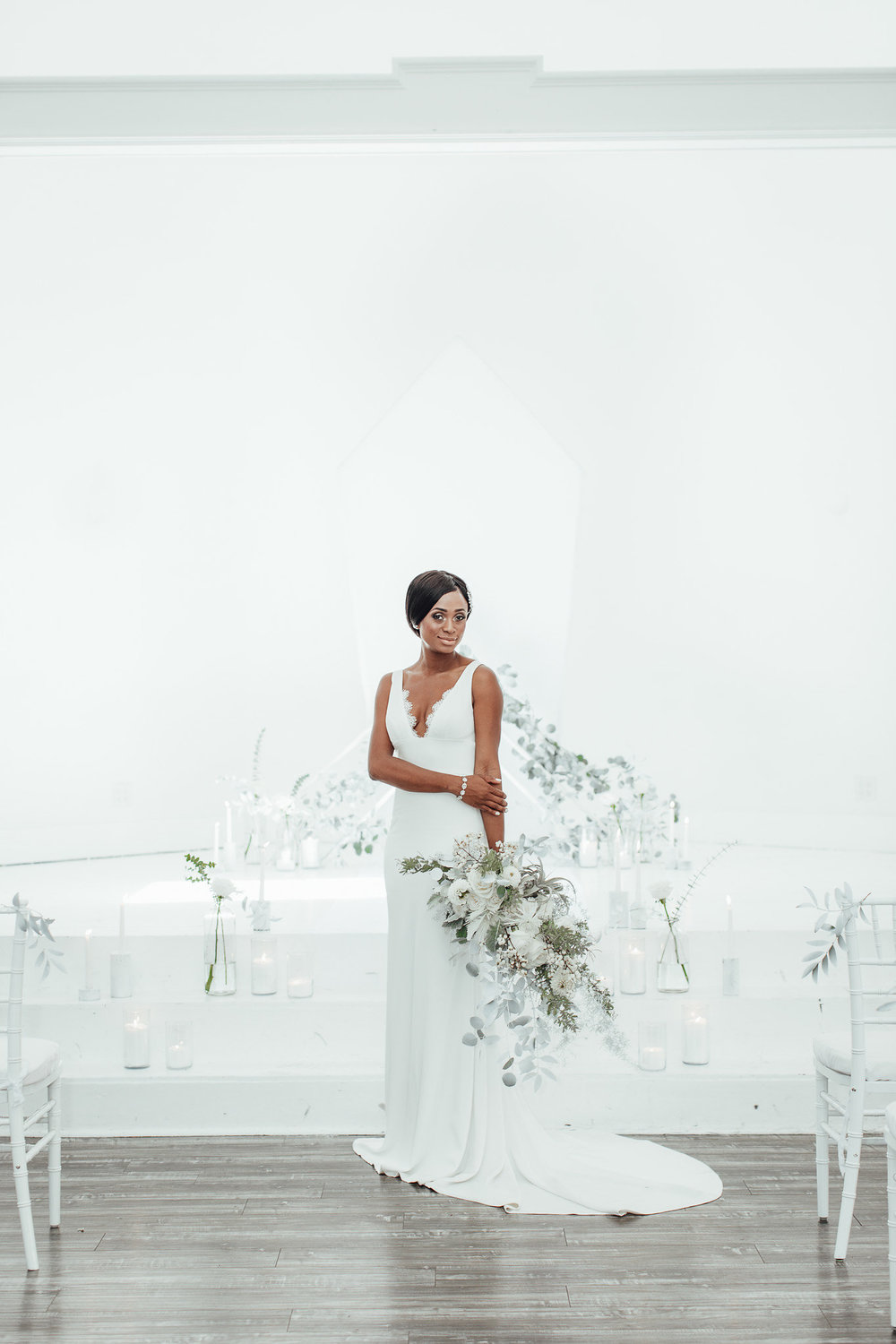 A New Wintry Mix: Monochromatic White Wedding Styled Shoot
