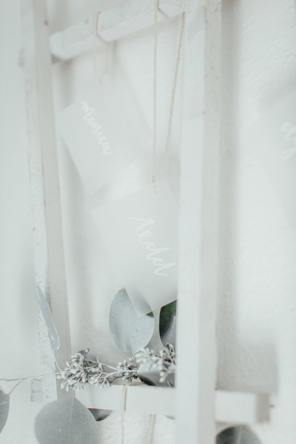 A New Winter Mix: Monochromatic White Wedding Styled Shoot