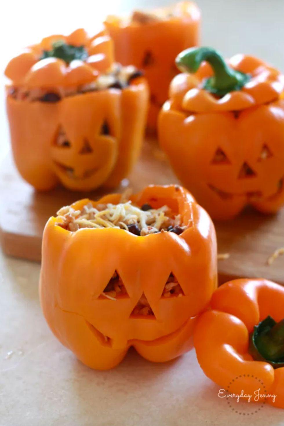 1499978900-halloween-dinner.jpg