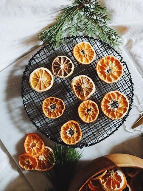 How To DIY Dried Orange Garland