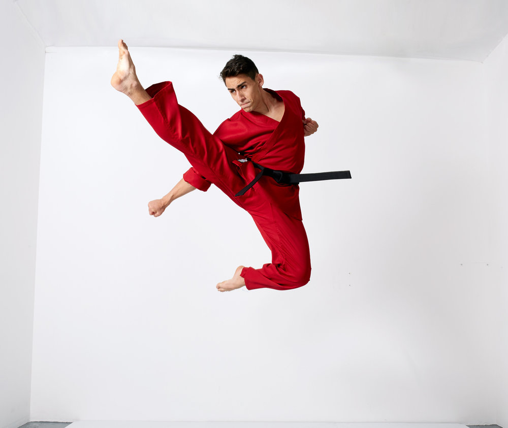 E82A1283.flyingkick.final.jpg