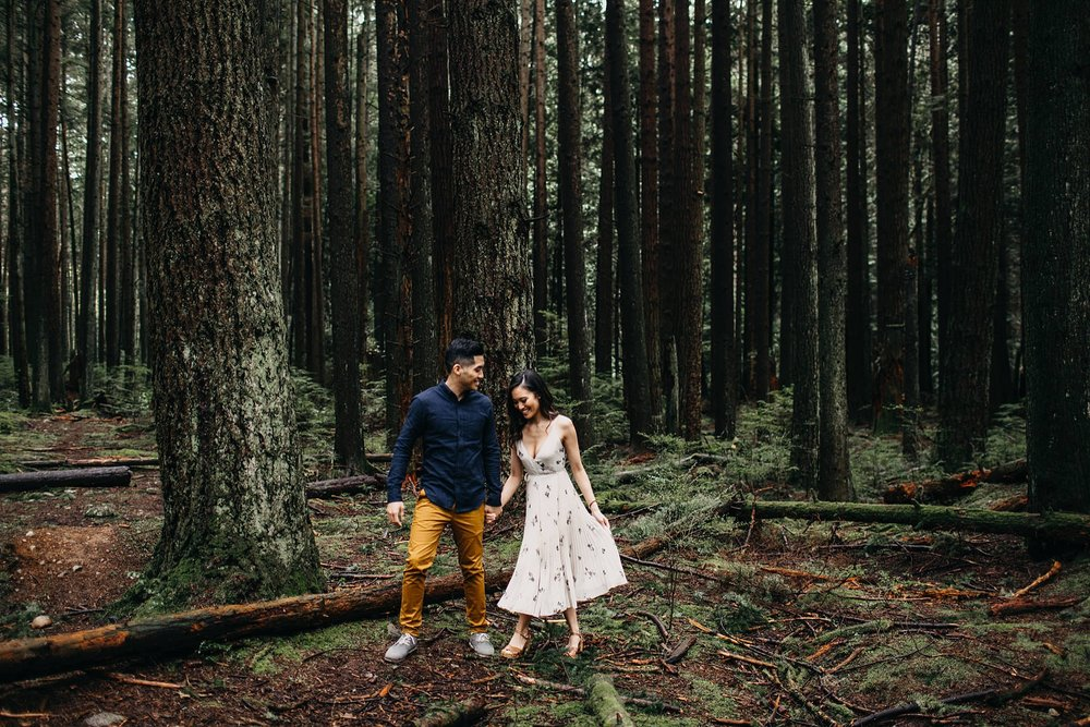 aileen-choi-photo-intimate-in-home-session-pacific-spirit-park-engagement_0108.jpg