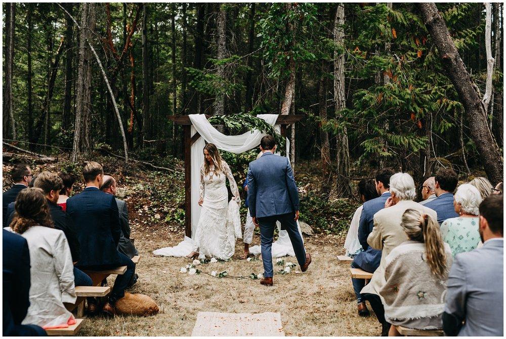 mayne-island-backyard-wedding_0034.jpg