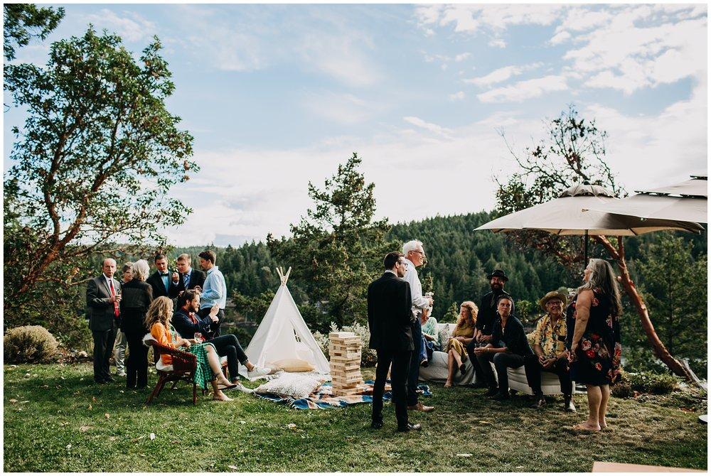 mayne-island-backyard-wedding_0067.jpg