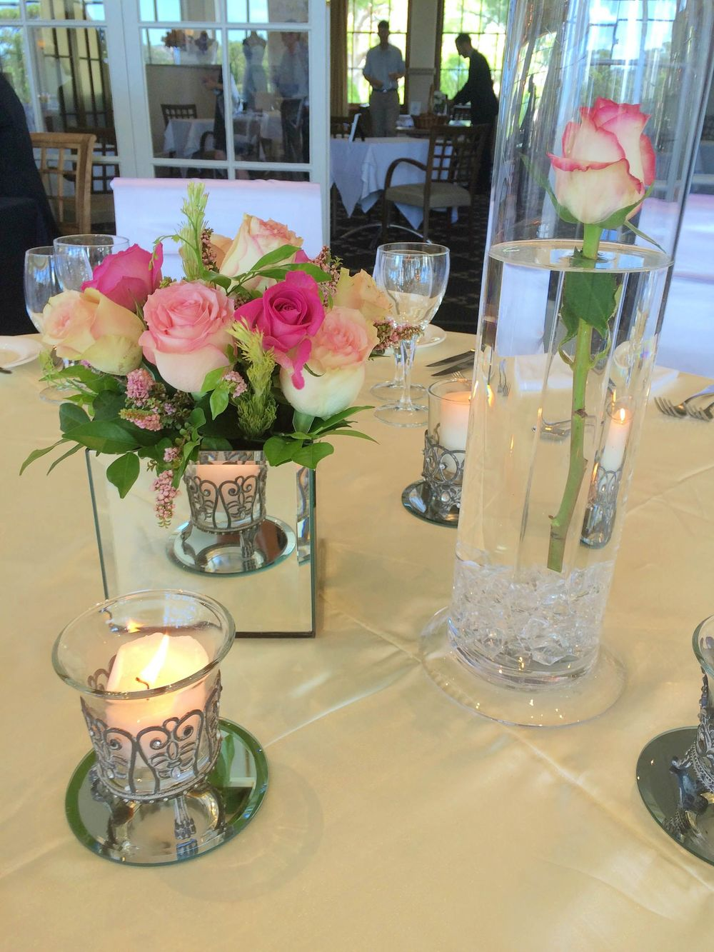 the-wedding-decorator-sydney-bridal-table-flowers-image.jpg