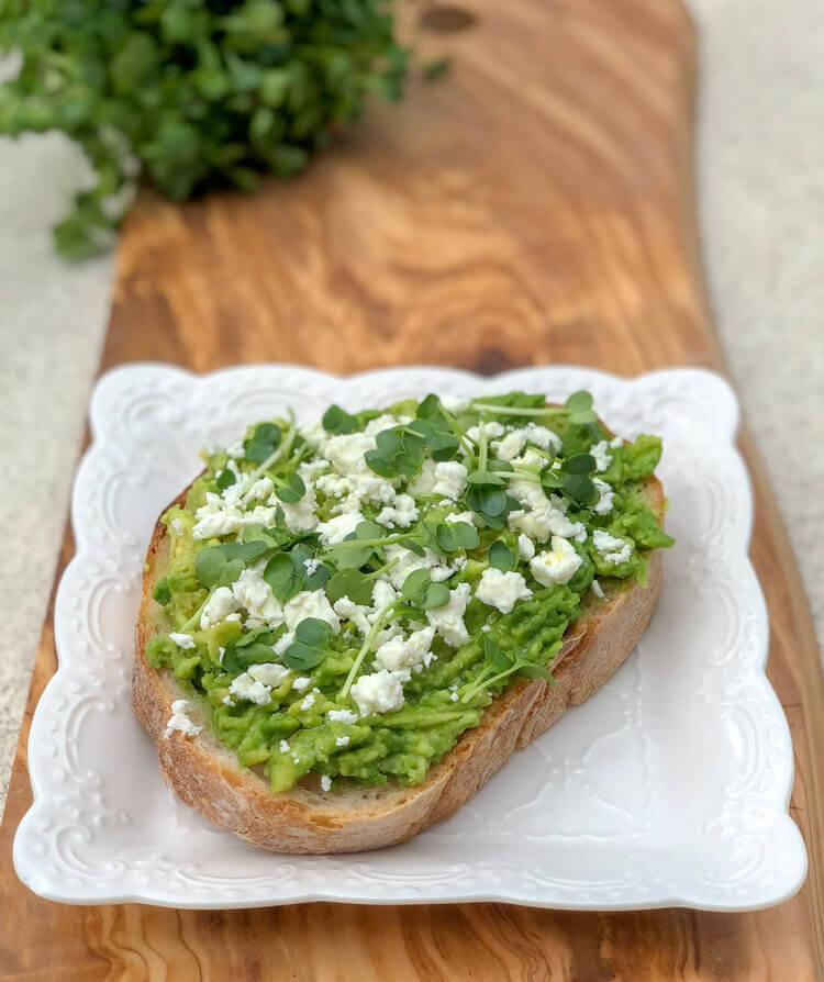 easy+avocado+toast+recipe.jpeg