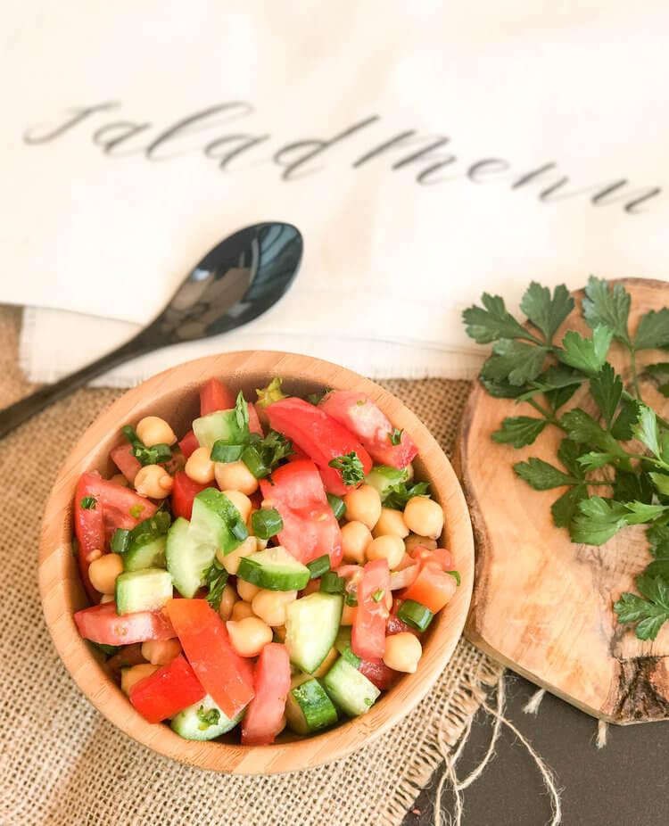 summer+salad+with+chickpeas.jpeg