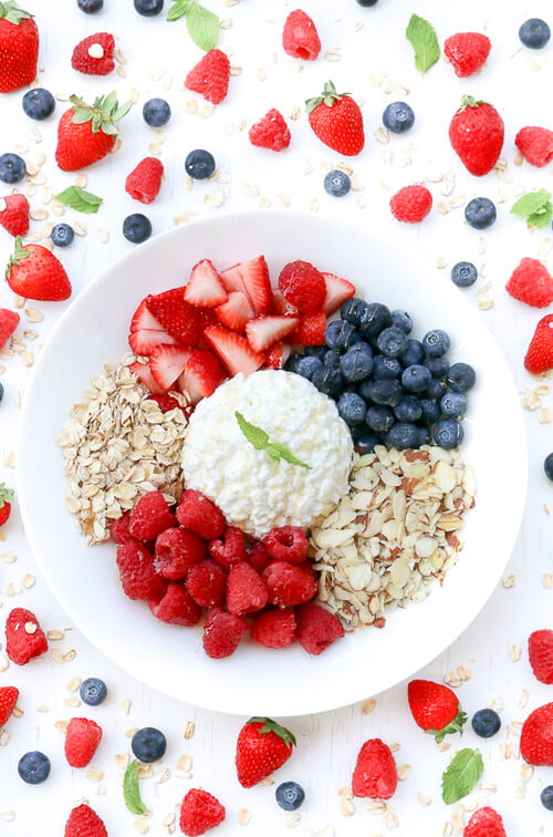 A cottage cheese fruit bowl with a crunch!