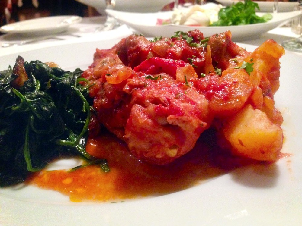 amata_food_dishes_chicken_cacciatore_1500.jpg