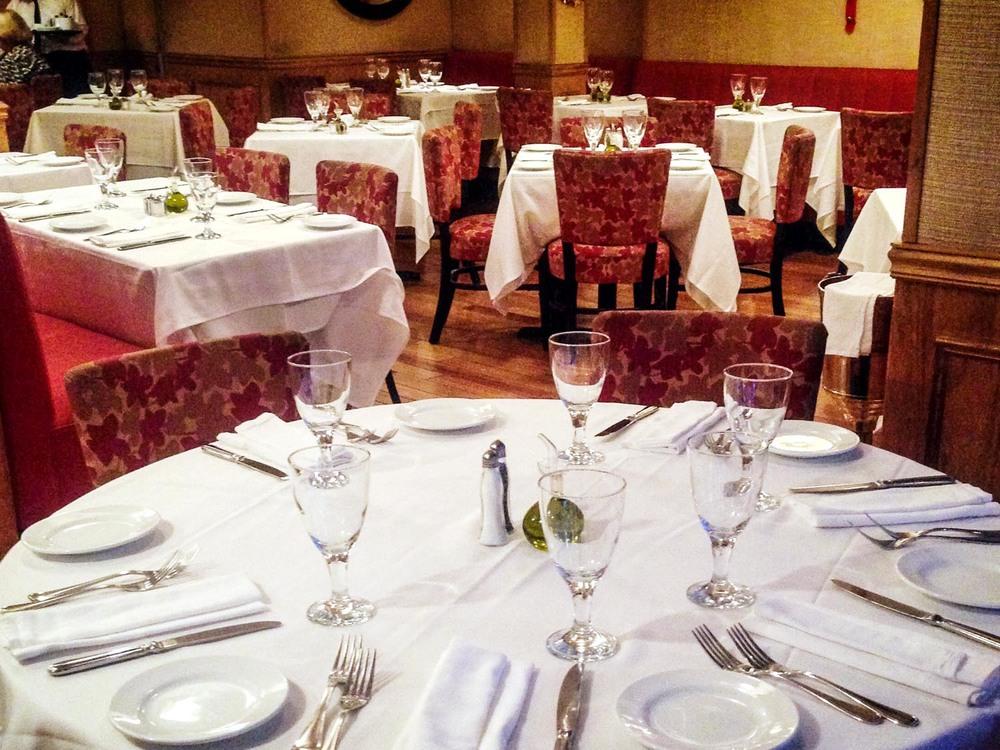 amata_res_img_big_table_room.jpg