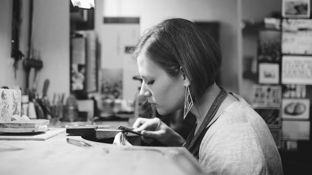Jenny specialises in creating contemporary jewellery using silver, gold and iron. Her minimalist designs are inspired by nature and each piece is handmade in Scotland.