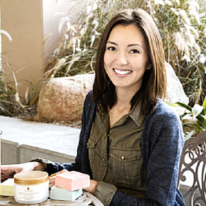 SARA NGUYEN  Venture Founder, Jewelscent