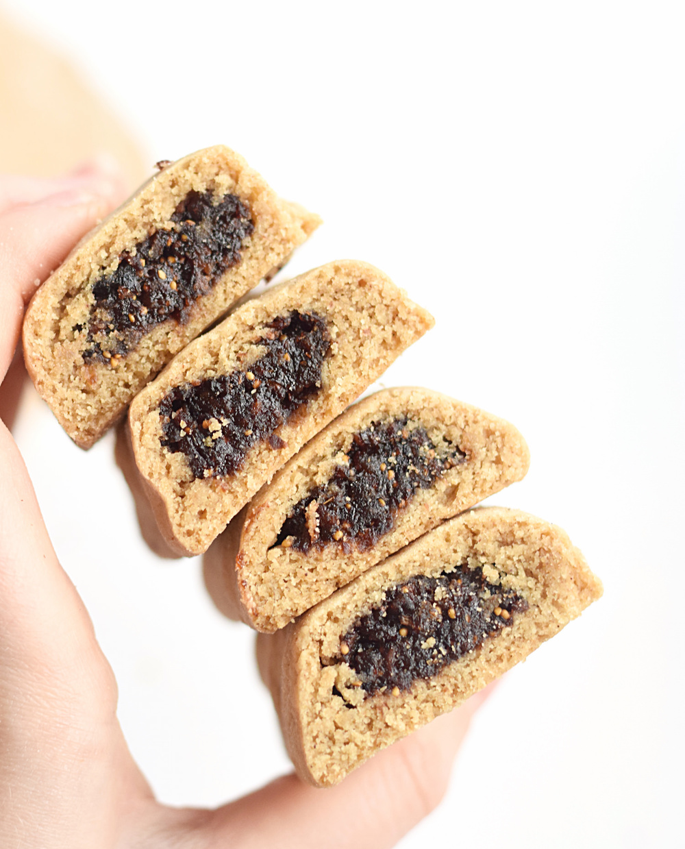 Homemade Fig Newtons: soft, tender, chewy, delicious copycat Fig Newtons. You'll never buy the store-bought ones again! | TrufflesandTrends.com