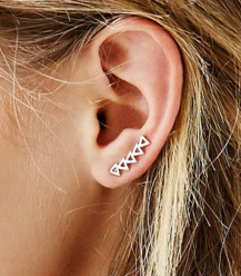 UO triangle ear crawler