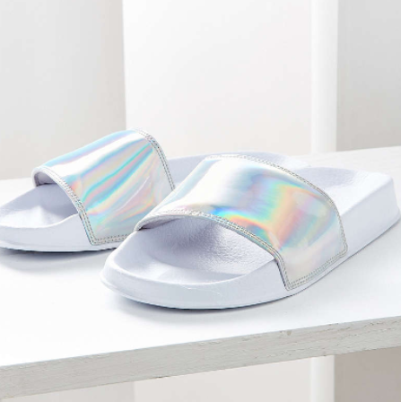 UO Holographic Pool Slide