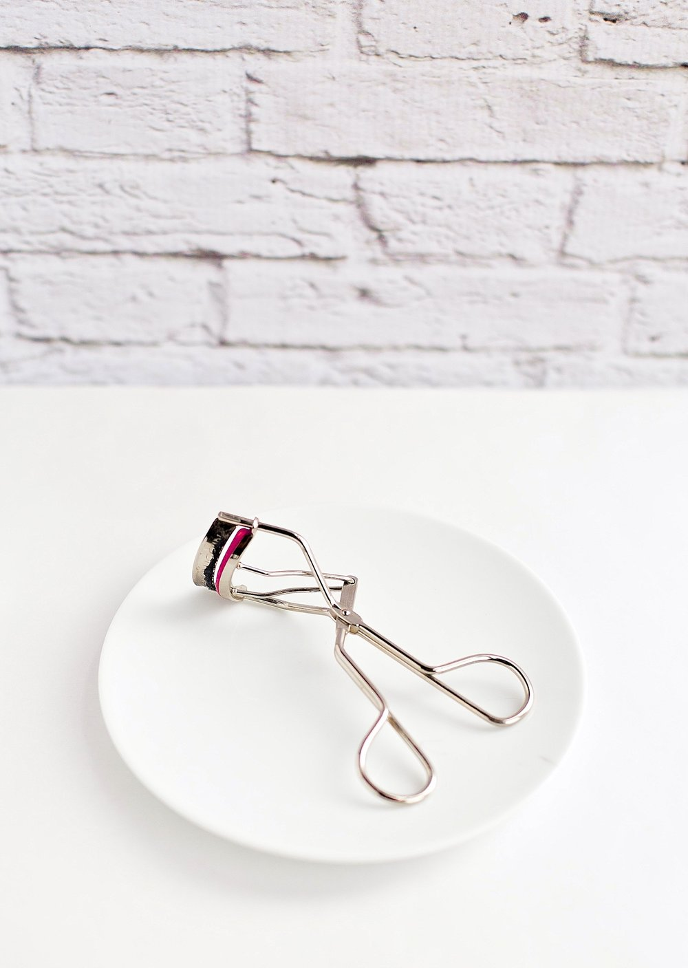 New Beauty Products I'm Loving - Kevyn Aucoin Eyelash Curler | TrufflesandTrends.com