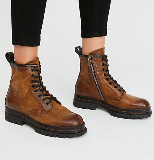 Johnnies Lace-Up Boot