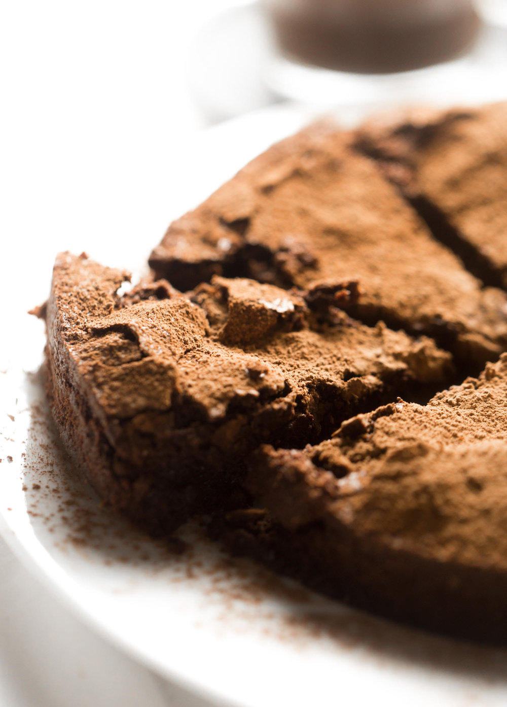 Flourless Chocolate Cake | TrufflesandTrends.com