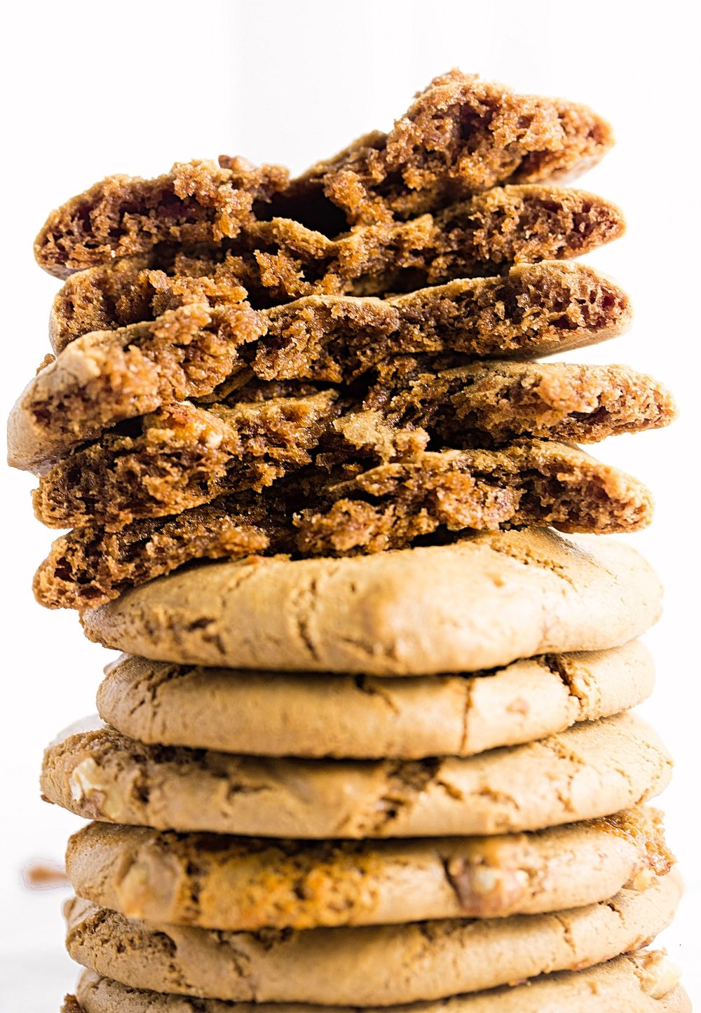 Thin and Chewy Walnut Cookies: amazingly chewy  and rich cookies made with homemade walnut butter and toasted walnut bits. So addictive! | TrufflesandTrends.com