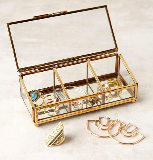 UO Keepsake Glass Display Box