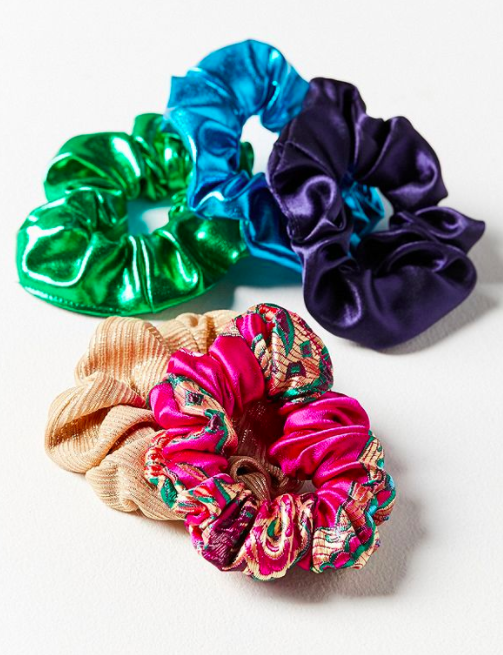 UO Days Of The Week Scrunchie Set