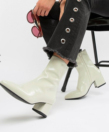Vagabond Mya patent leather off white heeled ankle boot