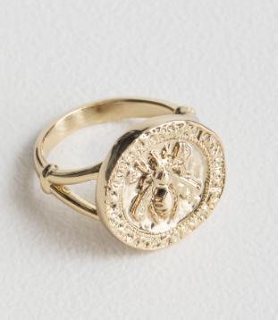 Stories Bee Embossed Pendant Ring