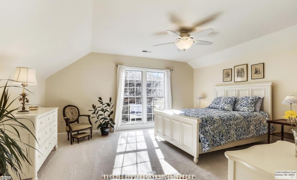Goldfinch_Bedroom1.png