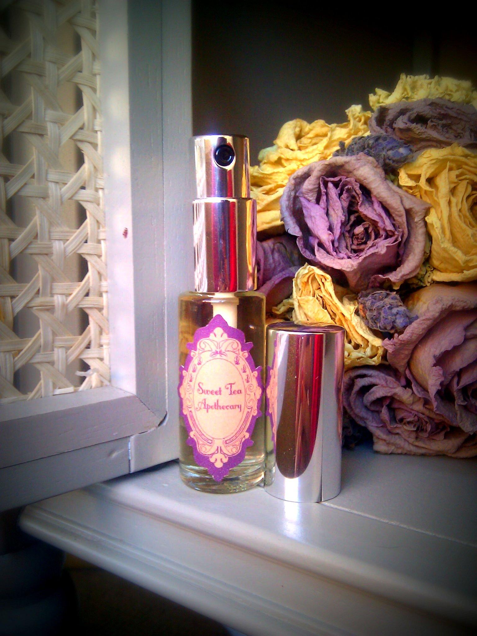 10 ml eau de parfum bottle