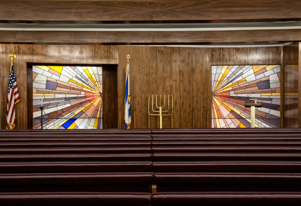 Our larger chapel comfortably seats 325 people, and it provides a welcomed and relaxed opportunity to pay tribute to the deceased before heading out to the cemetery. We can also hold large evening wakes in this space the night before burial.