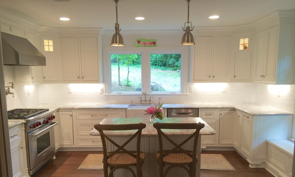 Kitchen Cabinets: Refinishing, Refacing, Redooring, Custom Cabinets