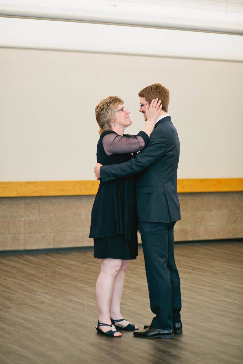 twin cities wedding photographer-53.jpg