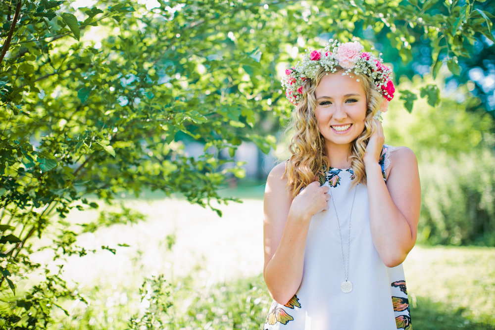 flower crown senior photos Iowa Des Moines fashion