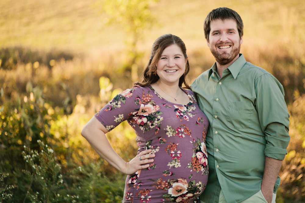 Des moines maternity photographer