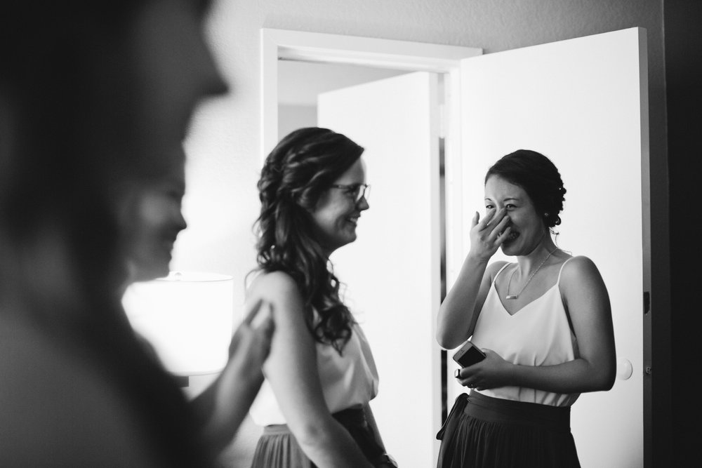 photographer like jamie tobin or jenni chung wedding pictures Des Moines