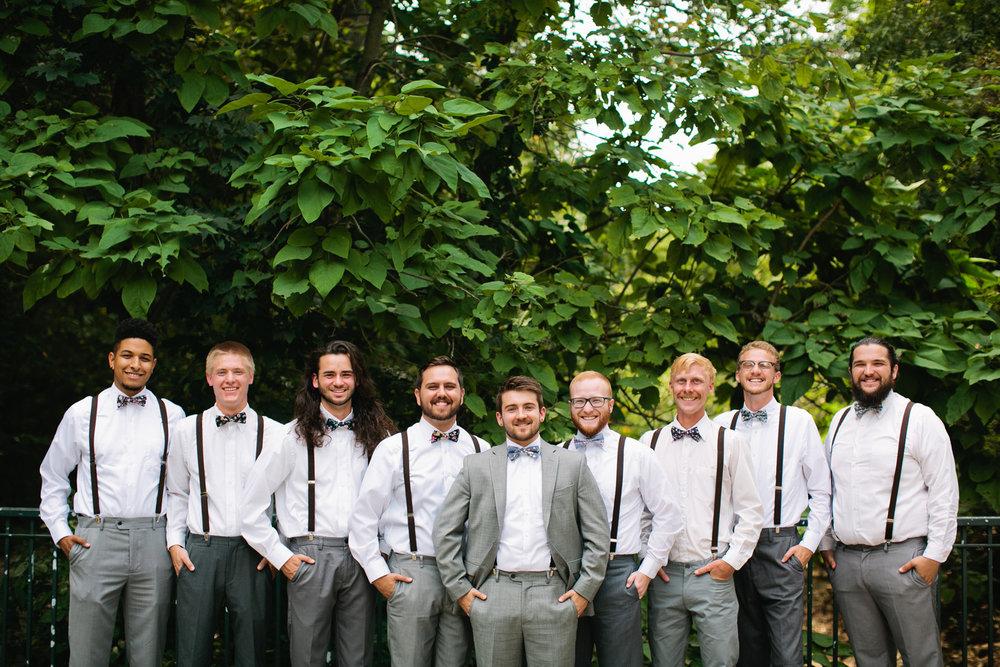 funny groomsmen photos wedding pictures