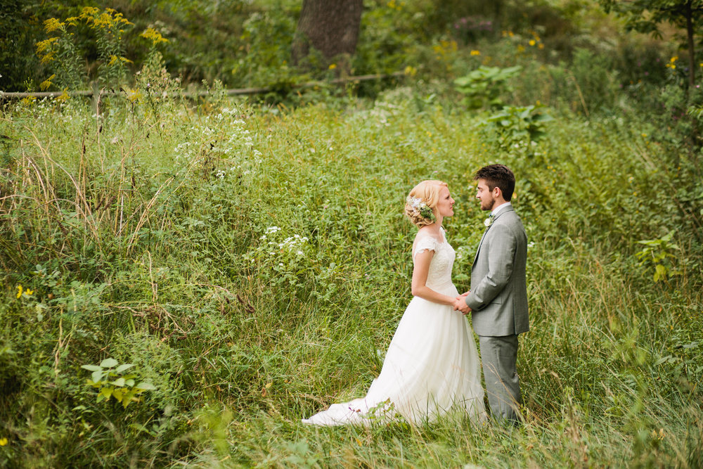 engagement and wedding photography in the midwest.