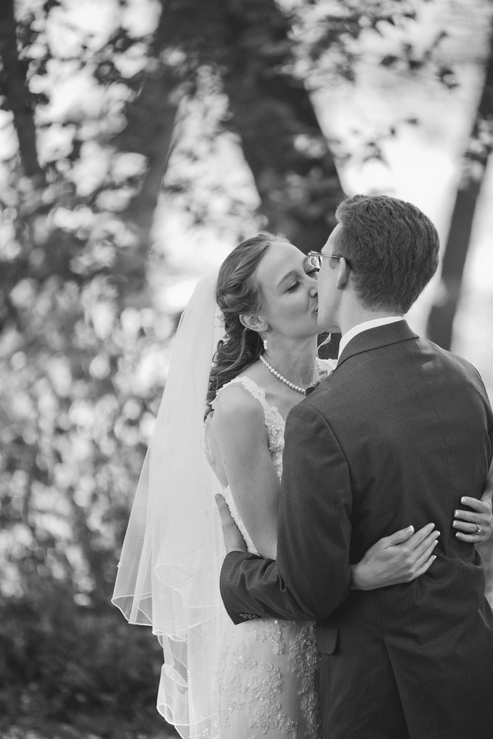 Iowa  and Midwest Fine Art  Wedding Photographer