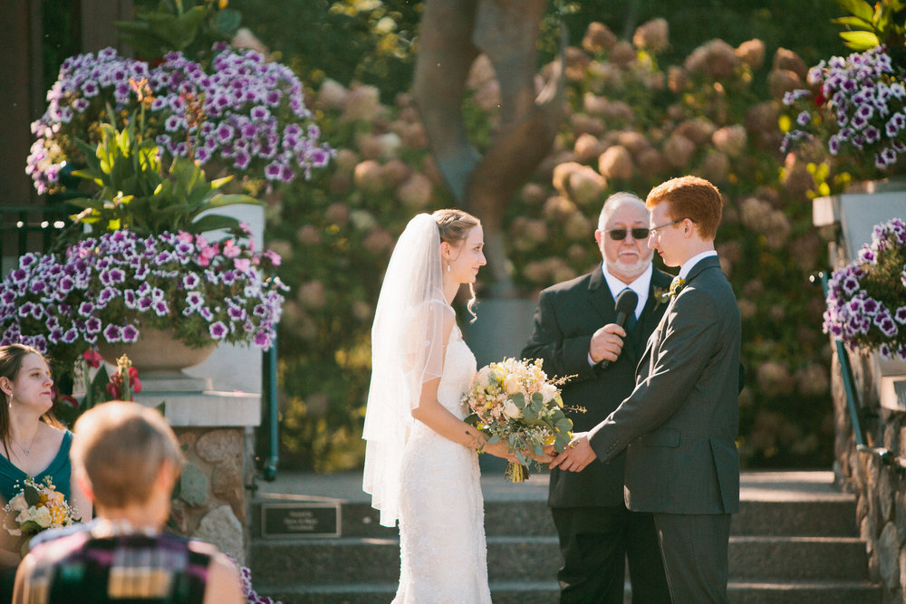 Reiman Gardens in Ames Iowa wedding photos
