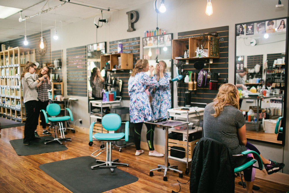 Des Moines hair and makeup salons for wedding day