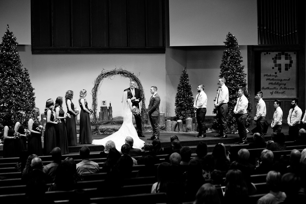 wedding at Walnut Ridge Baptist Church in Waterloo Iowa