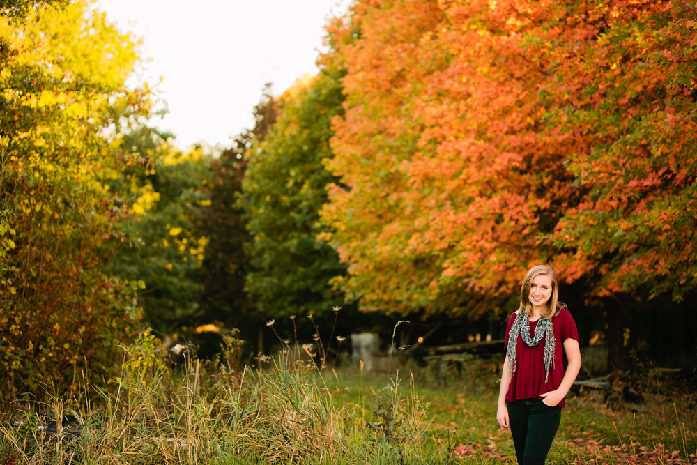 Senior Photographer Des Moines IA - Seniors by Amelia Renee