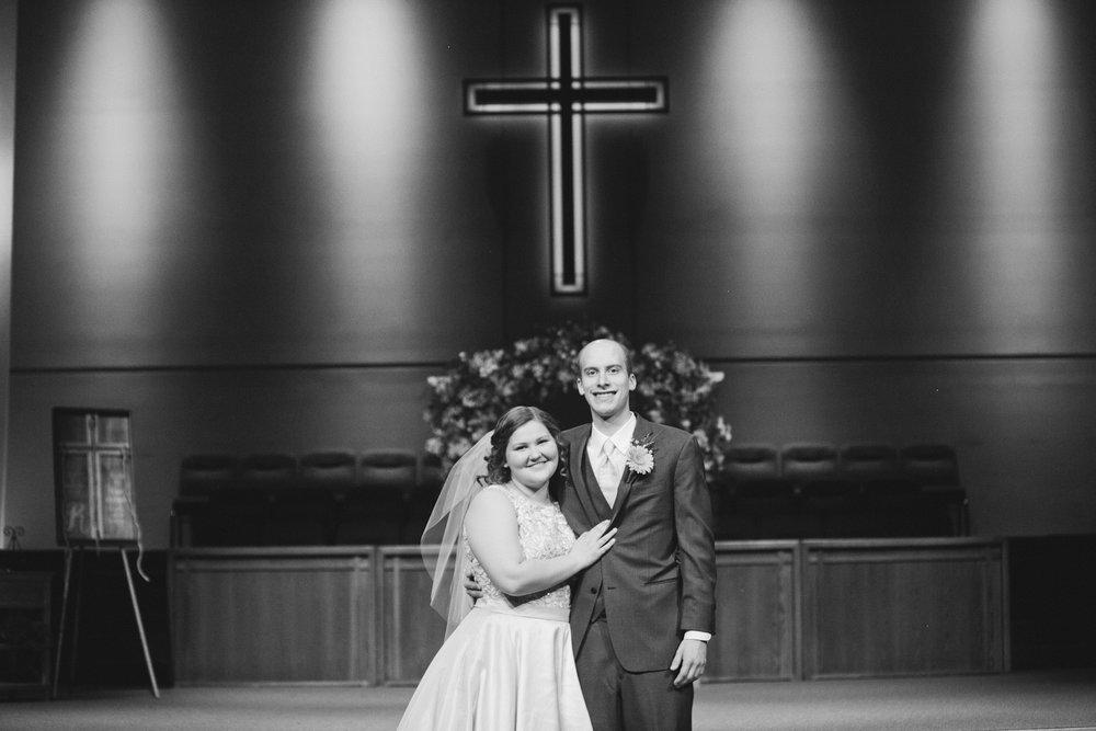 classic wedding photo in cedar rapids iowa