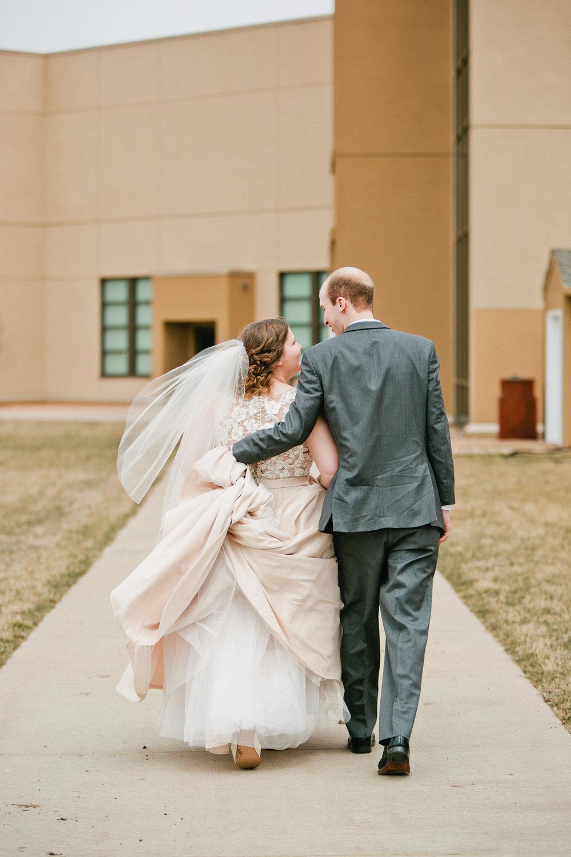 natural wedding photos Iowa