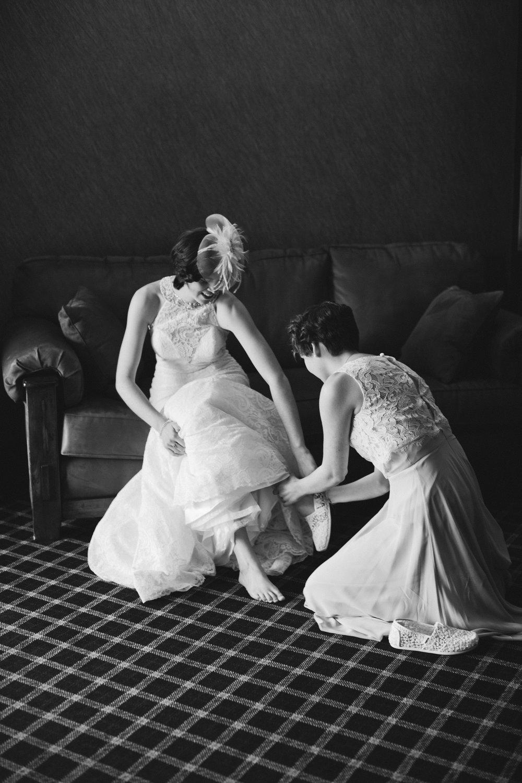 classic timeless wedding photographers in Iowa