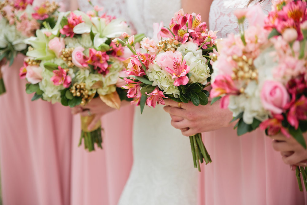 pink and white and gold wedding flowers