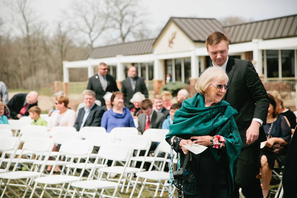 outdoor wedding candid pictures