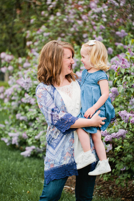 Ames iowa outdoor natural light family photos