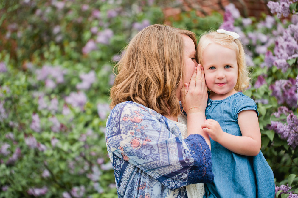 family fun photos with young kids in the Des Moines area