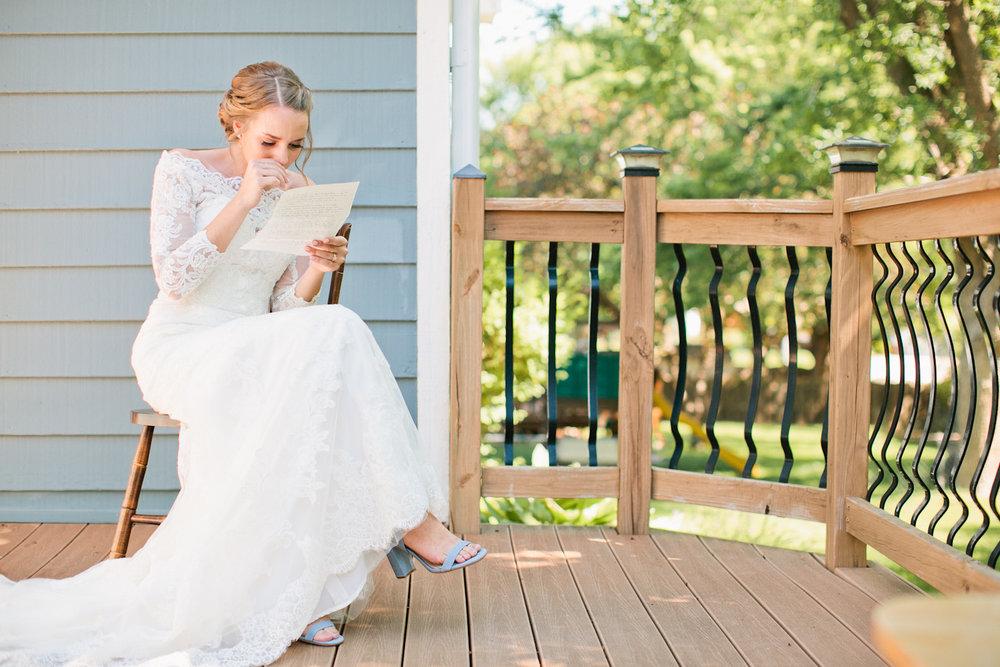 genuine reactions at weddings